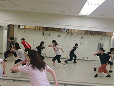 つっきーダンス